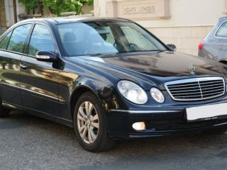 Mercedes-benz E-220 berlina
