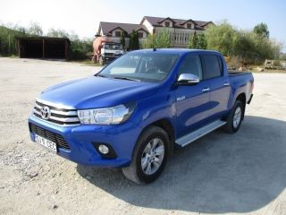 Toyota Hilux offroad